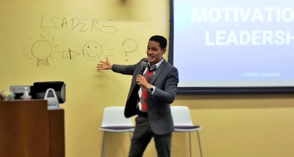 3-keys-to-be-a-confident-public-speaker-in-2017-even-if-you-have-an-accent-like-me